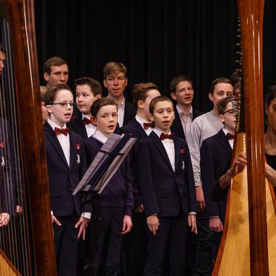 Aurelius Sängerknaben mit Harfen
